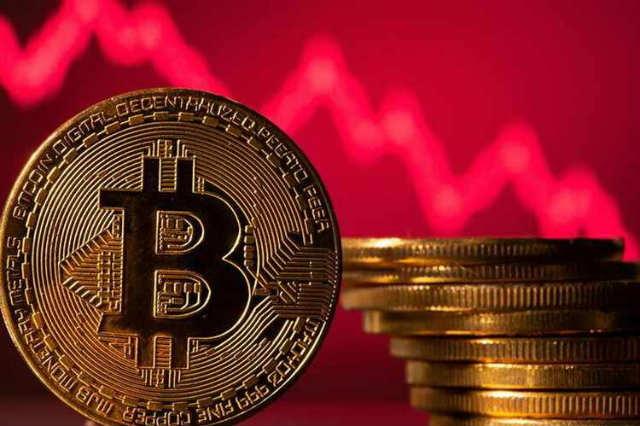 Cijena BTC kriptovaluta pada ispod 33.000 USD podrške, a kratke hlače Bitfinex nadilaze više od 5.000 BTC