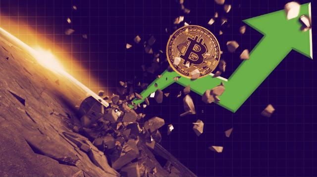 Bitcoin(BTC)Renews doseže rekordnih 56.000 dolara