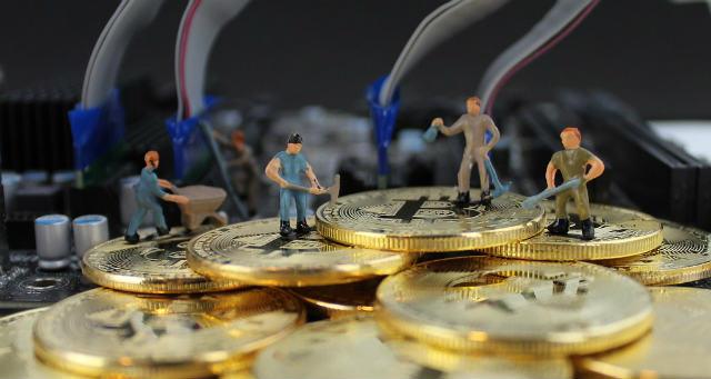 Kada se rudarstvo vrši čistom energijom、Hoće li Tesla nastaviti trgovanje Bitcoin / BTC-om?